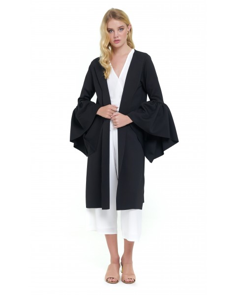 JADE OUTER IN BLACK