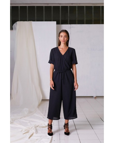 YASMIN JUMPSUIT IN BLACK