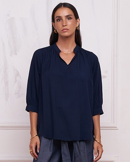 CHAYA TOP IN NAVY