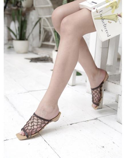 Zion Sandals in Brown